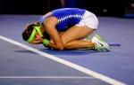Aksi Azarenka setelah mendapat poin terkhir dengan mengalahkan Maria Sharapova@Ben Solomon/Tennis Australia
